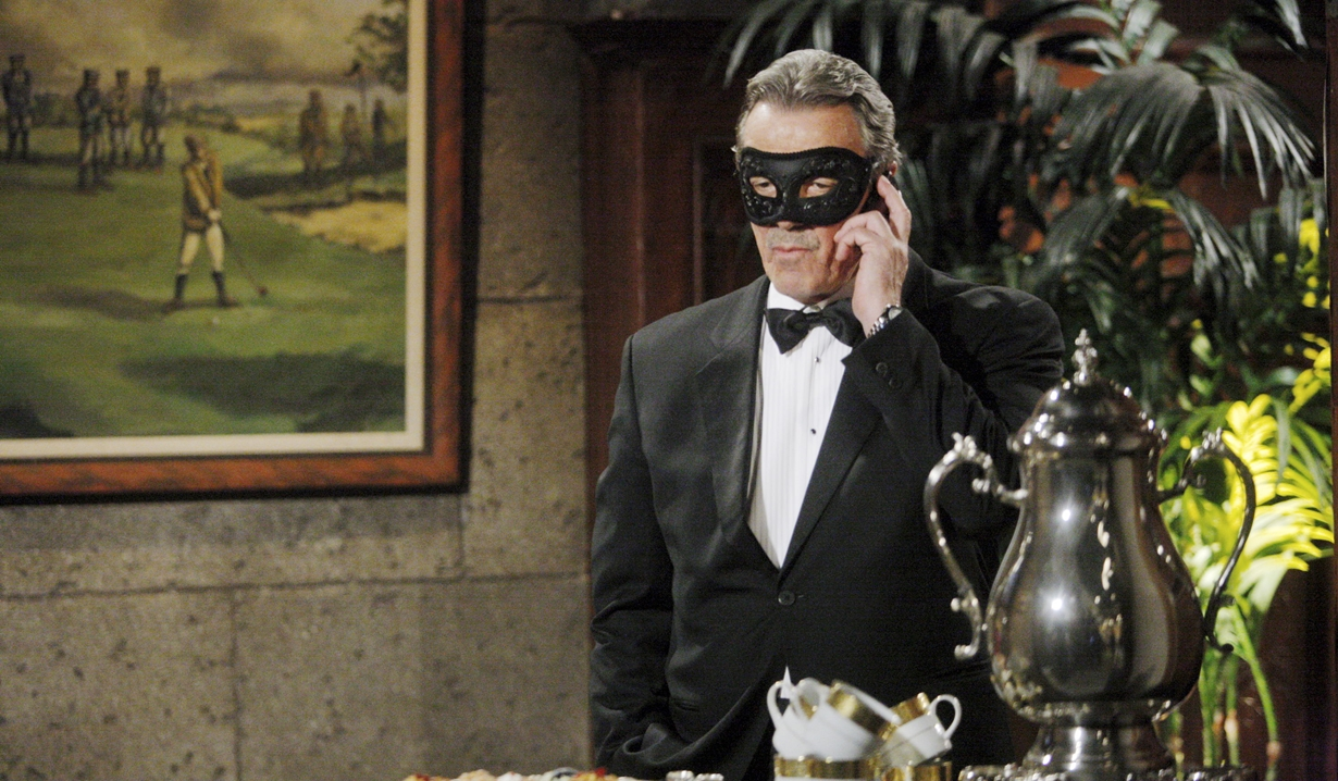 Victor in a mask Young and Restless