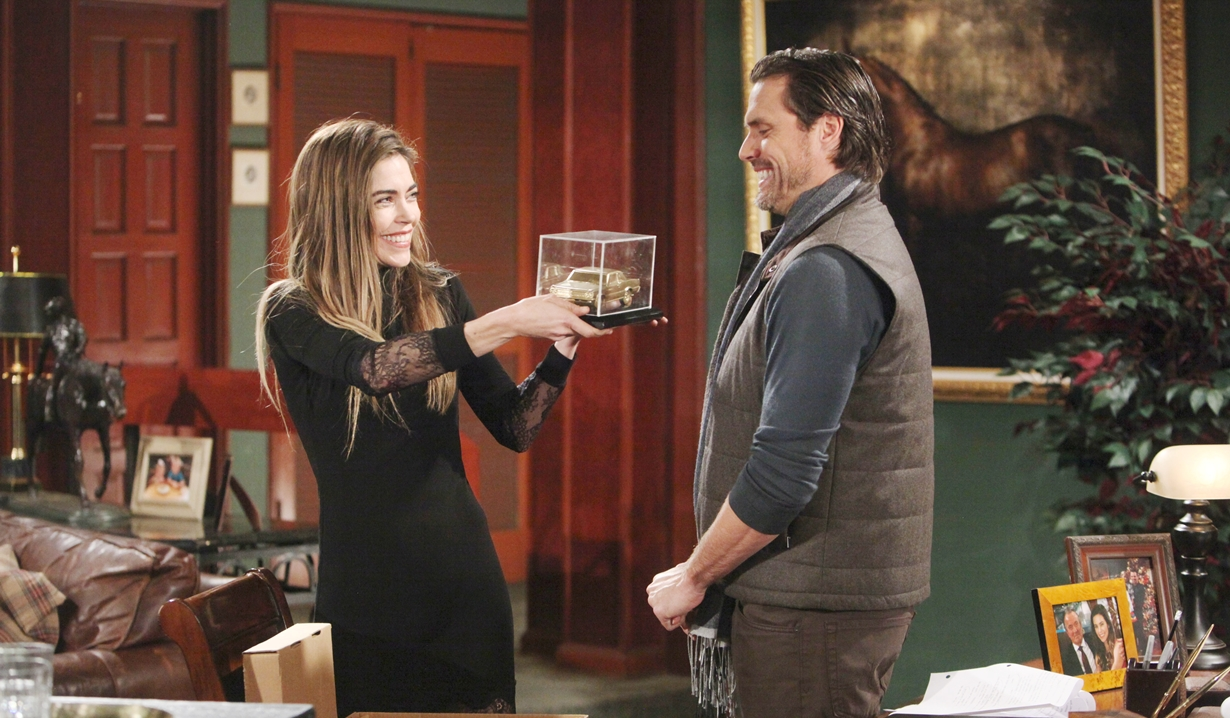 Victoria, Nick gift Young and Restless