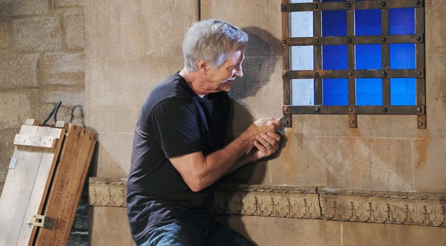 john tries escaping days of our lives