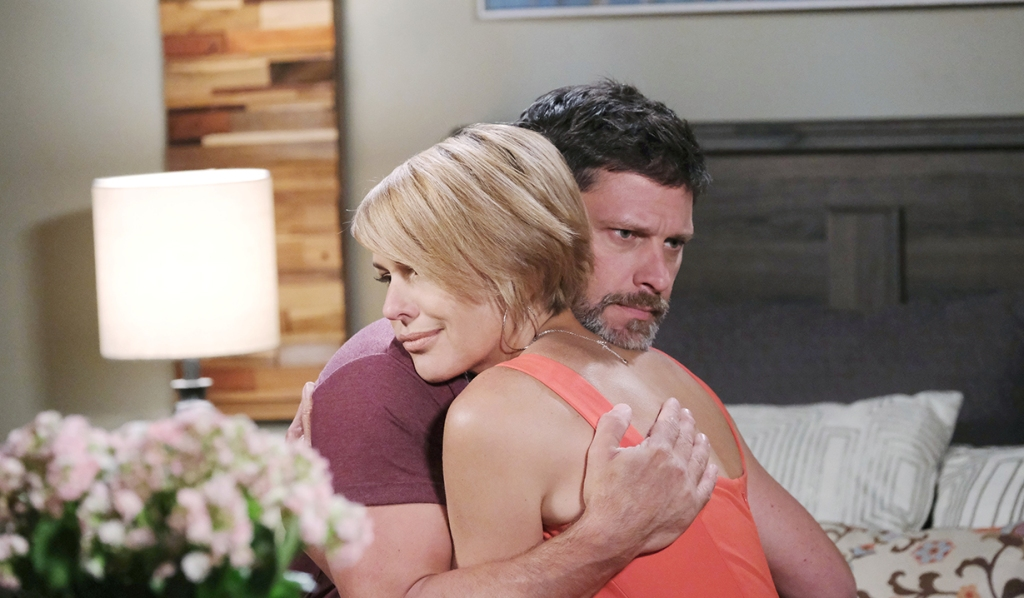 nicole and eric hug days of our lives