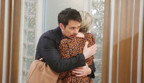 Nikolas comforts Ava at General Hospital