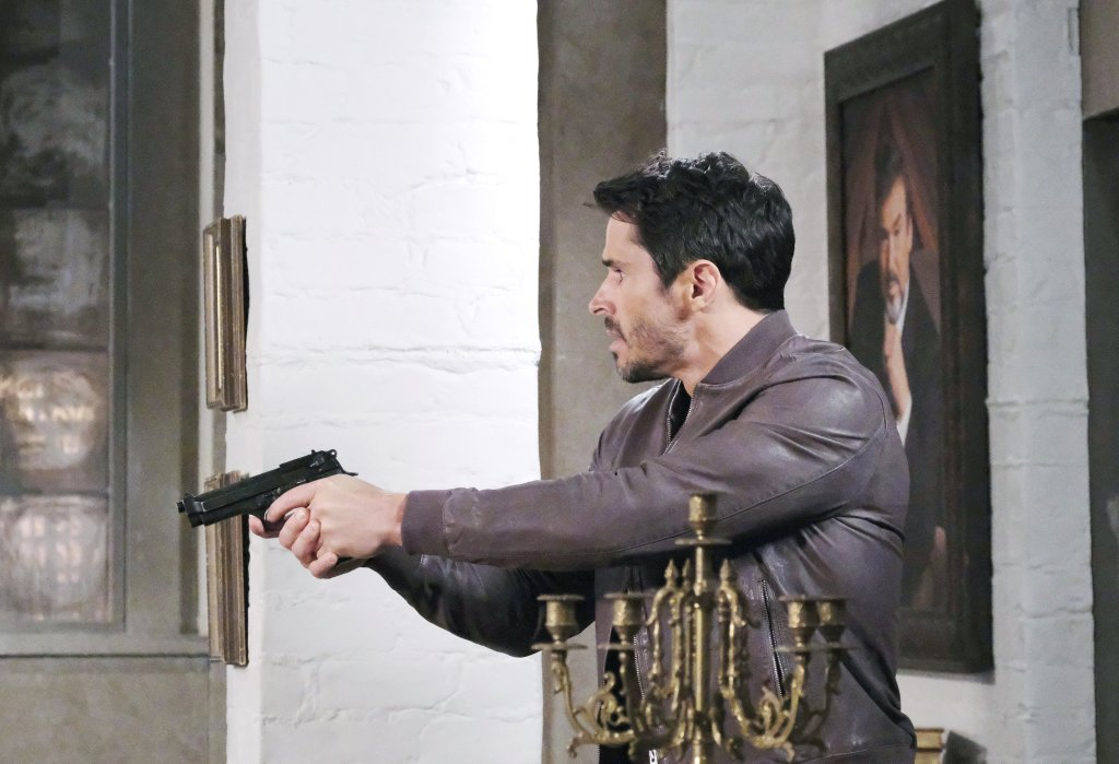 Shawn holds gun Days of our Lives