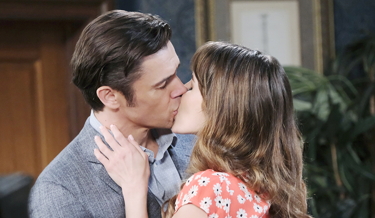 sarah and xander kissing days of our lives