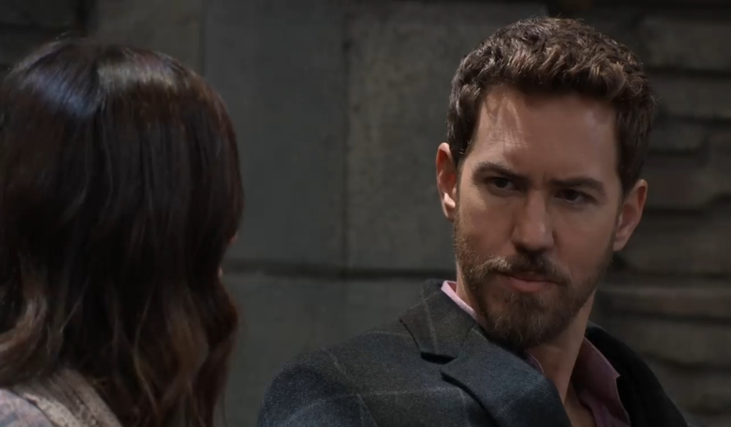 Anna has questions for Peter in the park General Hospital