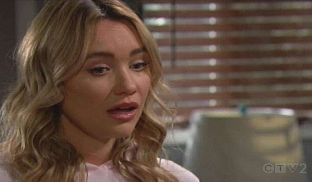 Flo reagisce al bacio di Brooke Bold and Beautiful