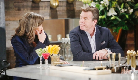 Jill, Jack bar talk Young and Restless
