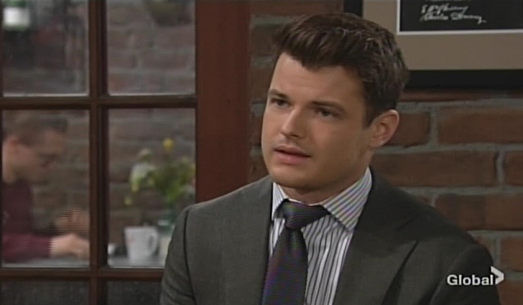 Kyle meets with Lola Young and Restless