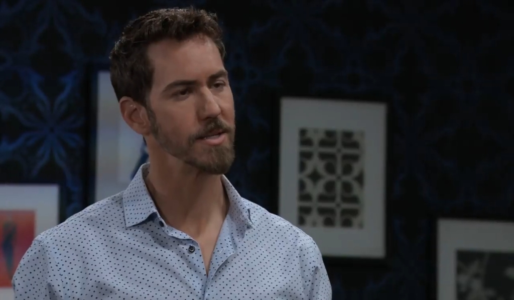 Peter informs Spinelli he is marrying Maxie General Hospital