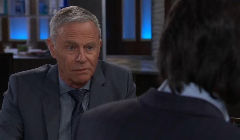 Robert asks Finn what threat worries him at Metro Court General Hospital