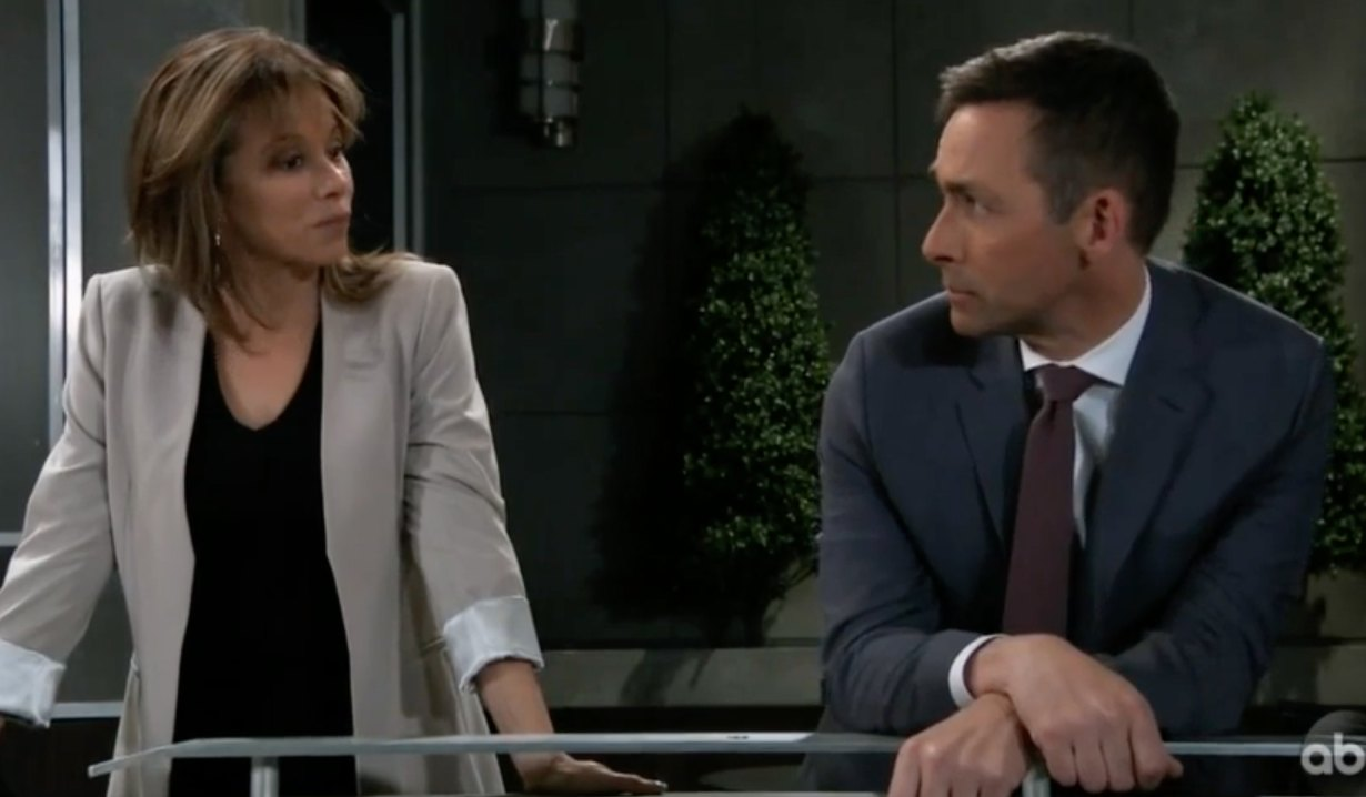Valentin Cassadine and Alexis Davis on Metro Court terrace on General Hospital