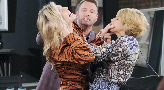 brady stops catfight kristen and nicole days of our lives