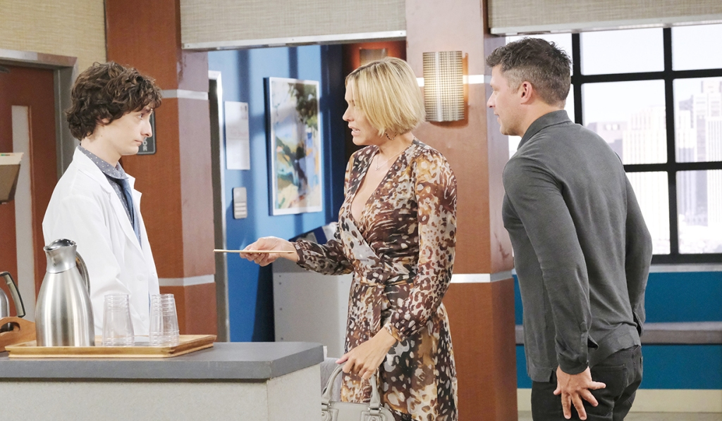 nicole gives dna to lab tech days of our lives