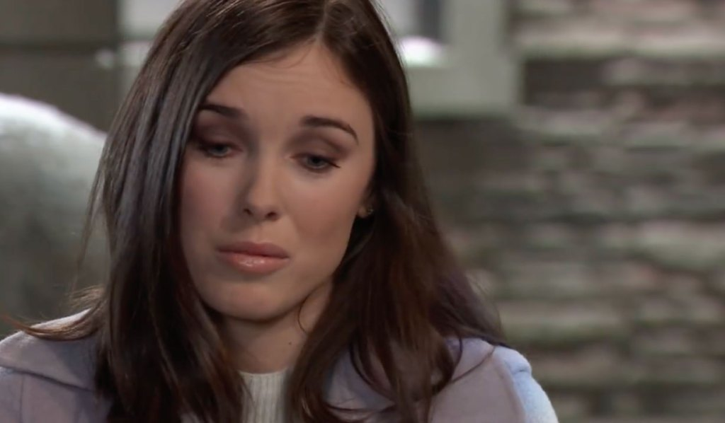 Willow considers Michael's offer on General Hospital