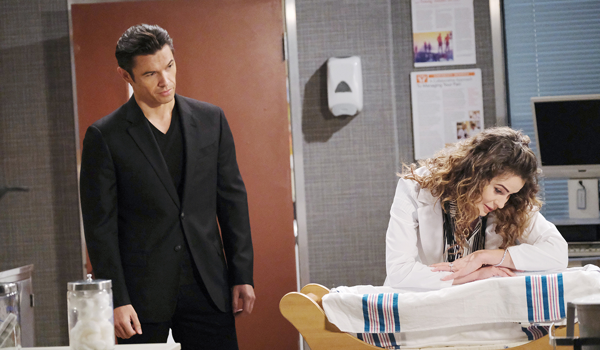 xander and sarah see mickey in the hospital days of our lives