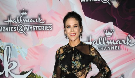 7 Things to Know about When Calls the Heart's Erin Krakow Hallmark
