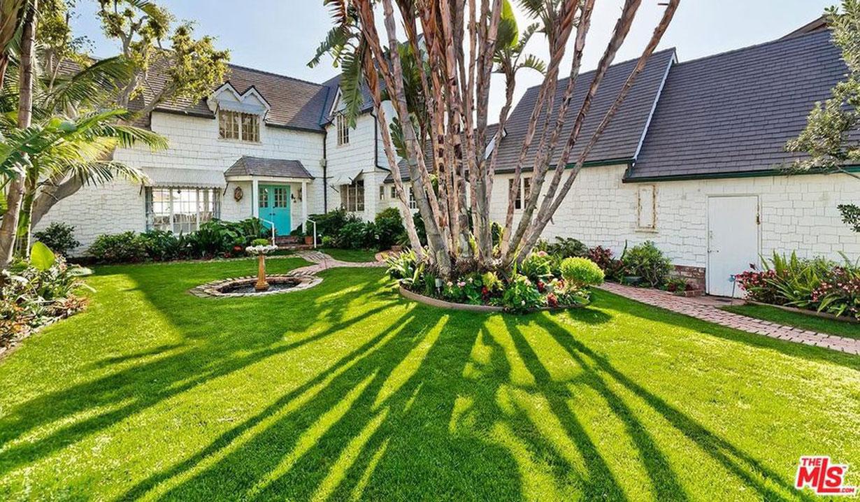 Lee Phillip Bell & William J. Bell's estate for sale - front