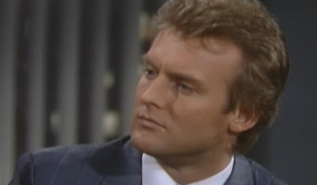 Paul worries about danger Young and Restless