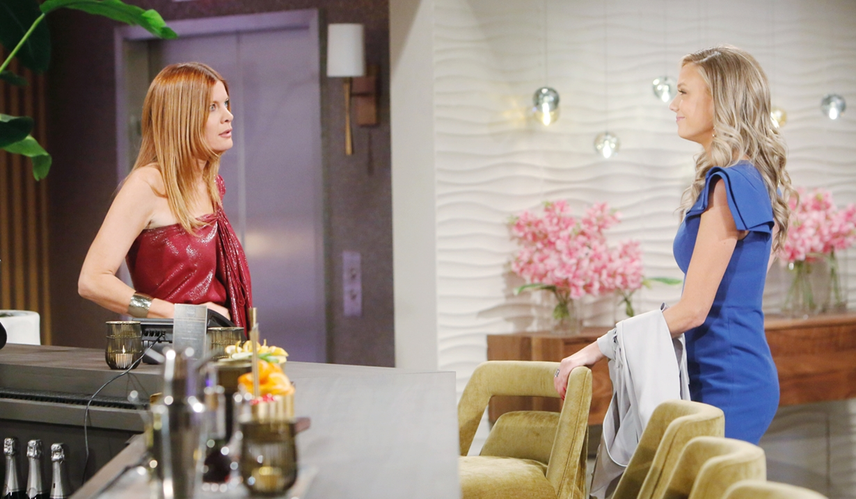 Phyllis, Abby tension Young and Restless
