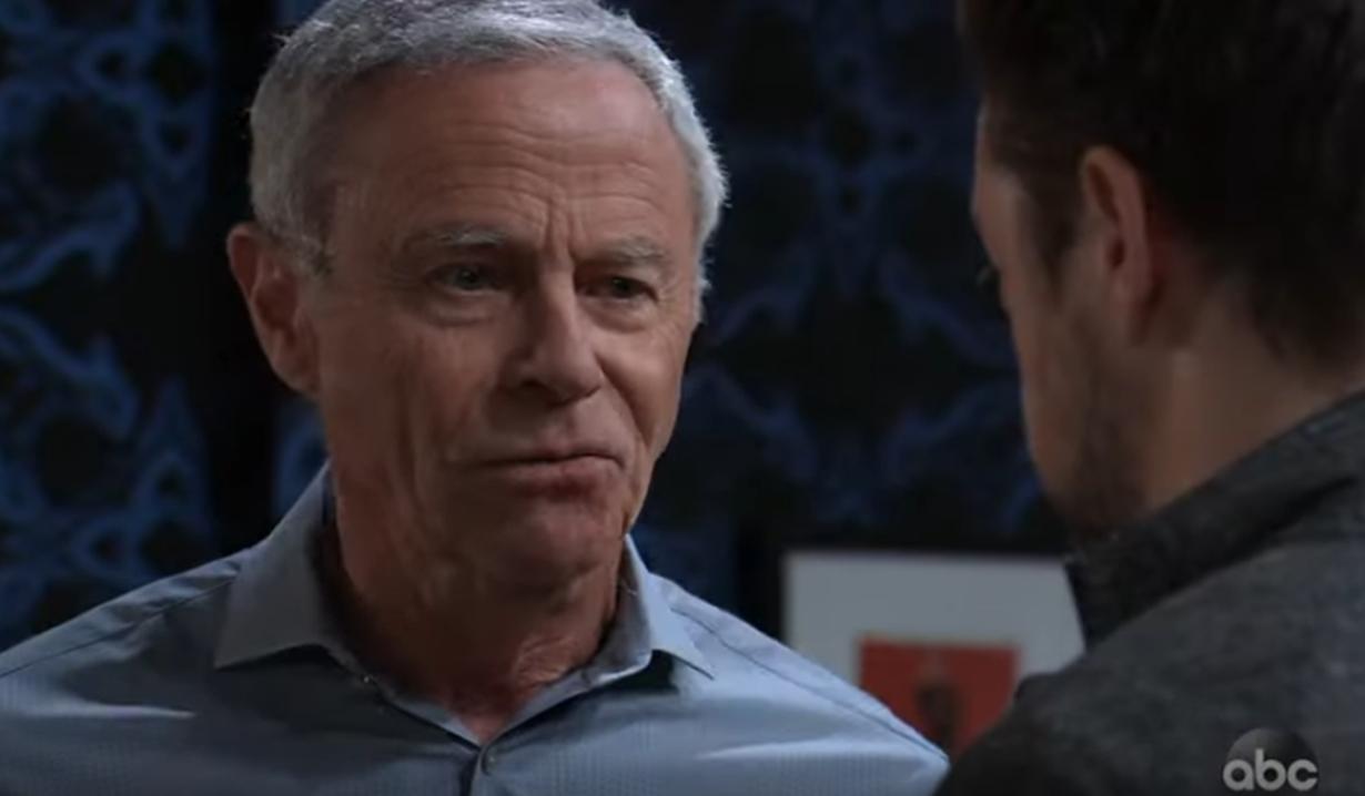 Robert confronts Spinelli General Hospital