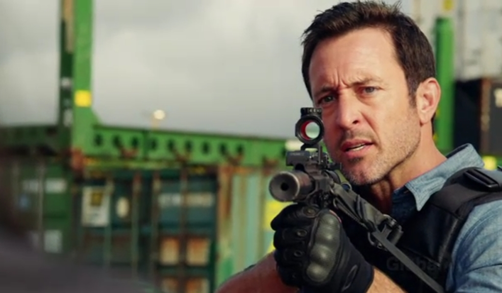 Steve holds Daiyu Mei at gunpoint Hawaii Five-0