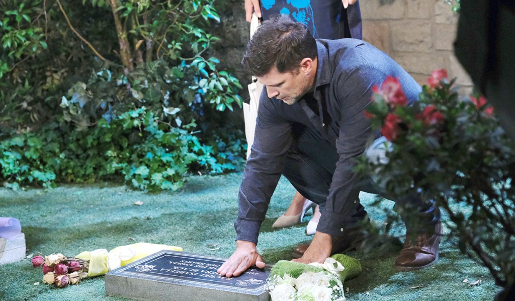 eric sees baby grave days of our lives