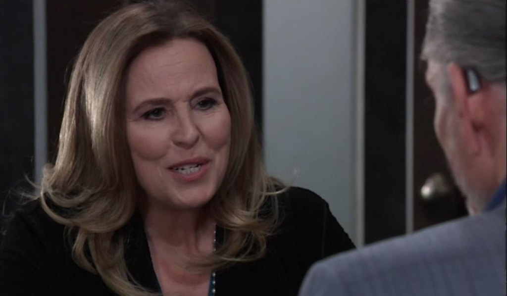 Laura meets with Cyrus at the Metro Court on General Hospital