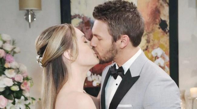 Liam, Hope wedding kiss