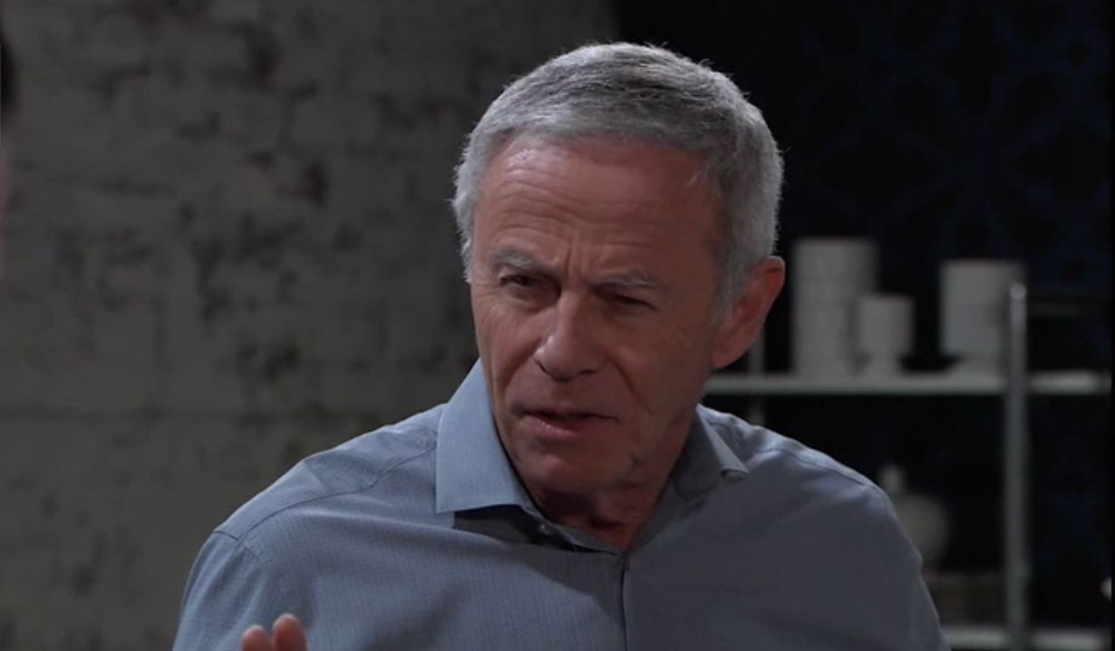 Robert is caught breaking in by Spinelli on General Hospital