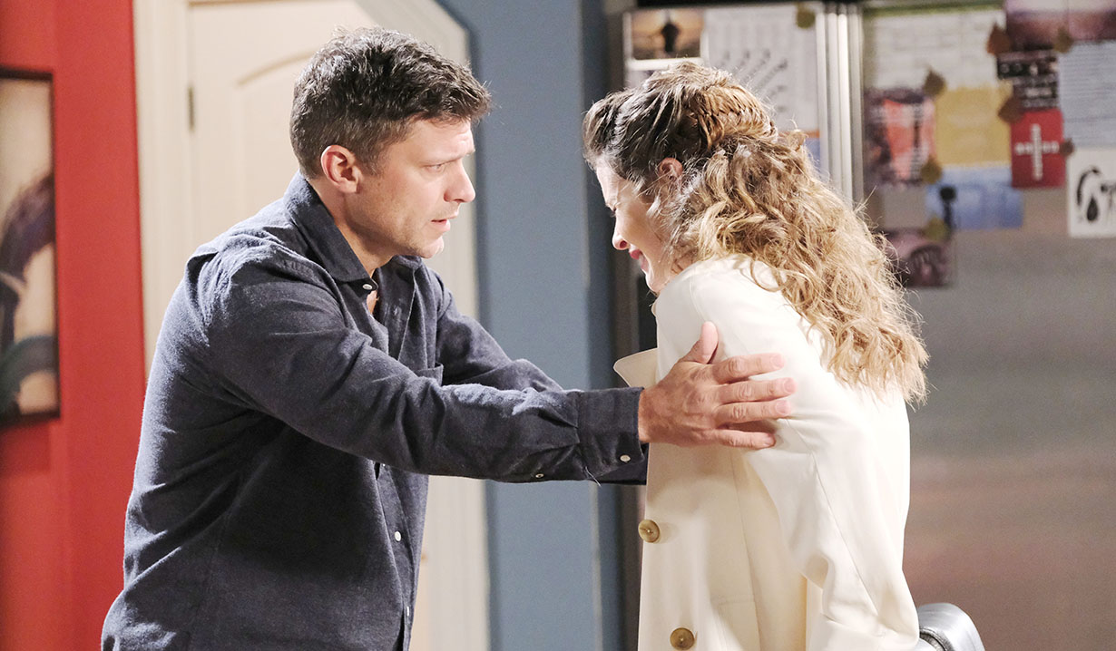 Sarah hears her baby is dead days of our lives