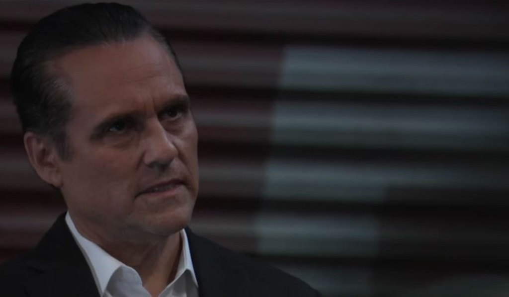 Sonny has a meeting on the docks on General Hospital