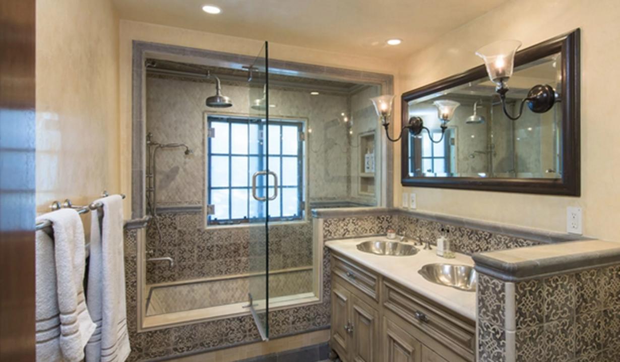 Eva Longoria home bathroom Young and Restless