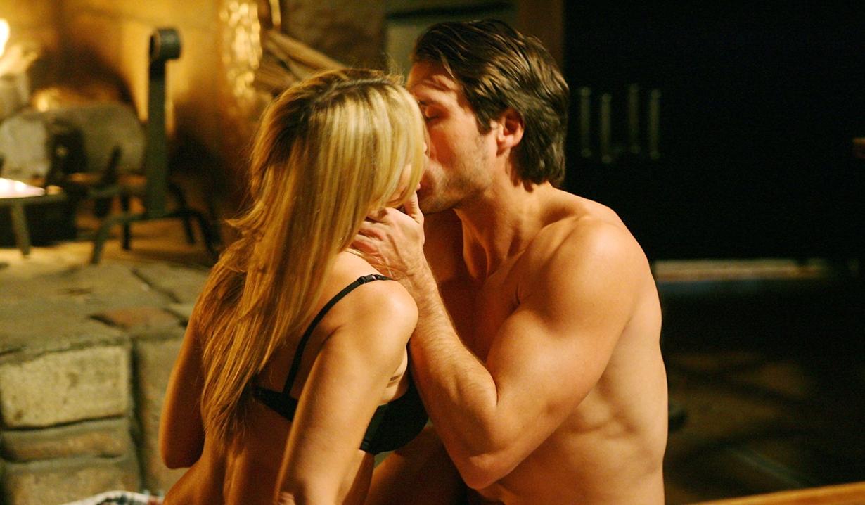 Sharon, Nick kiss Y&R