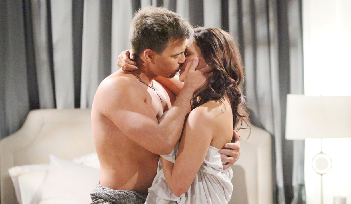 Wyatt, Katie kiss Bold and Beautiful