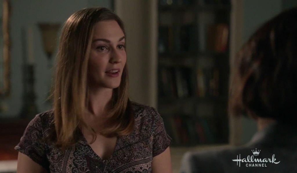 Joy Harper snoops around Grey House on The Good Witch