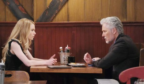 Nelle meets with Michael about her case on GH