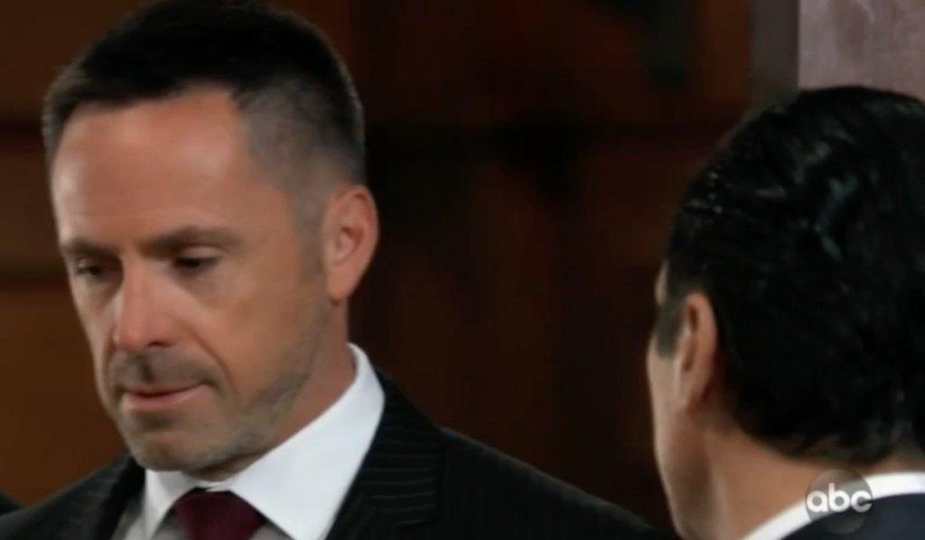 Sonny warns Julian on GH