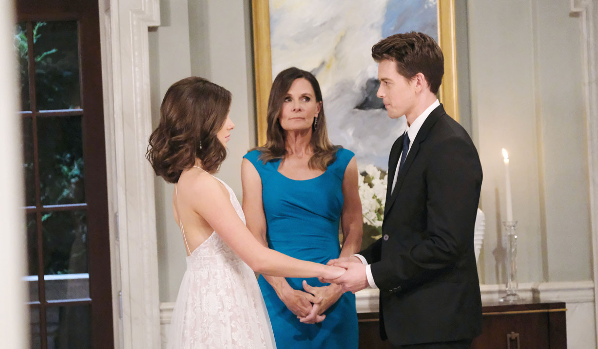 Lucy marries Michael and Willow on GH