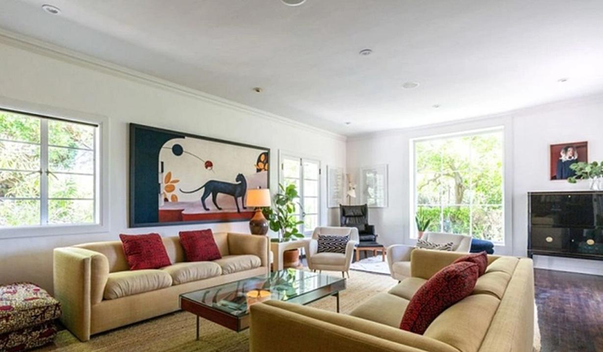 Blake Berris home living room Days