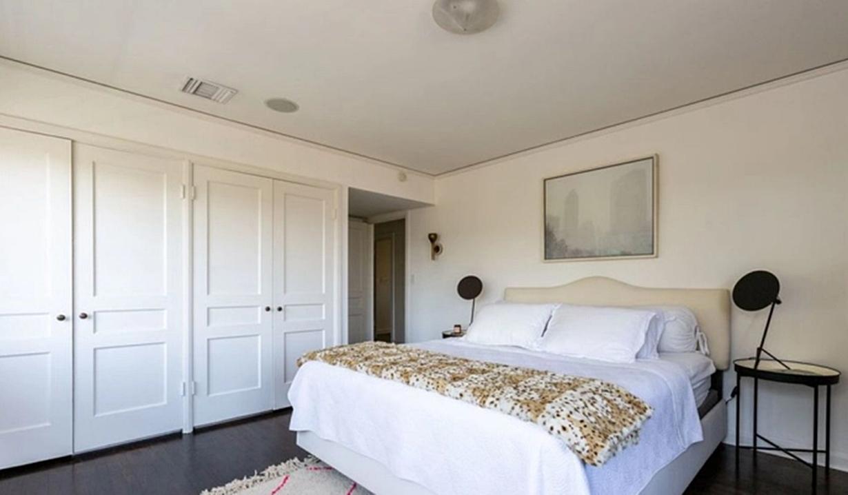 Blake Berris home bedroom Days