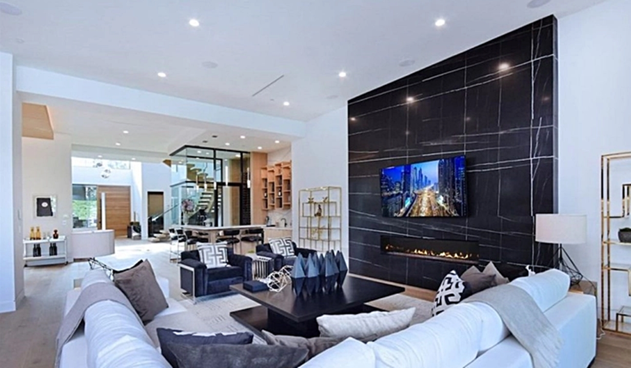 Shemar Moore home living room Y&R