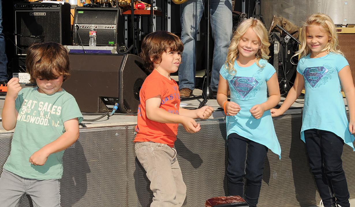 Campbell Rose, Carolyn Rose, Aaron Kunitz, Griffin KunitzA Day of Days of our Lives 2011Universal CitywalkSamba RestaurantUniversal City, Ca11/5/11© Jill Johnson/jpistudios.com310-657-9661