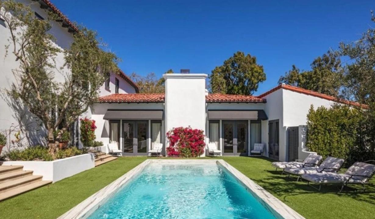 Lori Loughlin villa pool GL