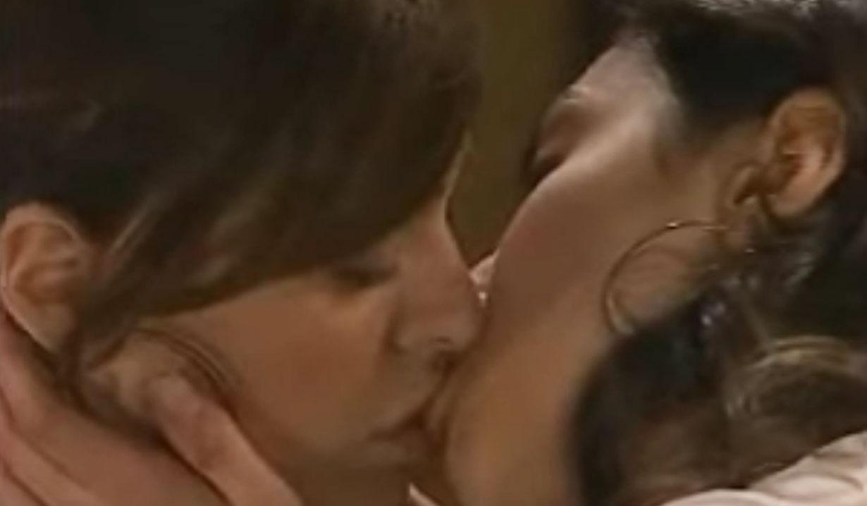 Elizabeth Hendrickson as Maggie Stone kissed Bianca AMC