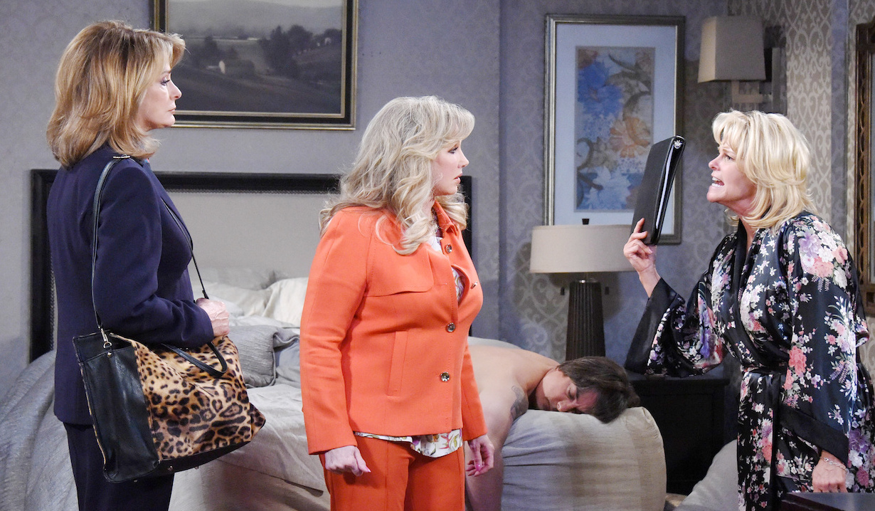 Bonnie and Hattie cover up Anjelica's death on Days of our Lives