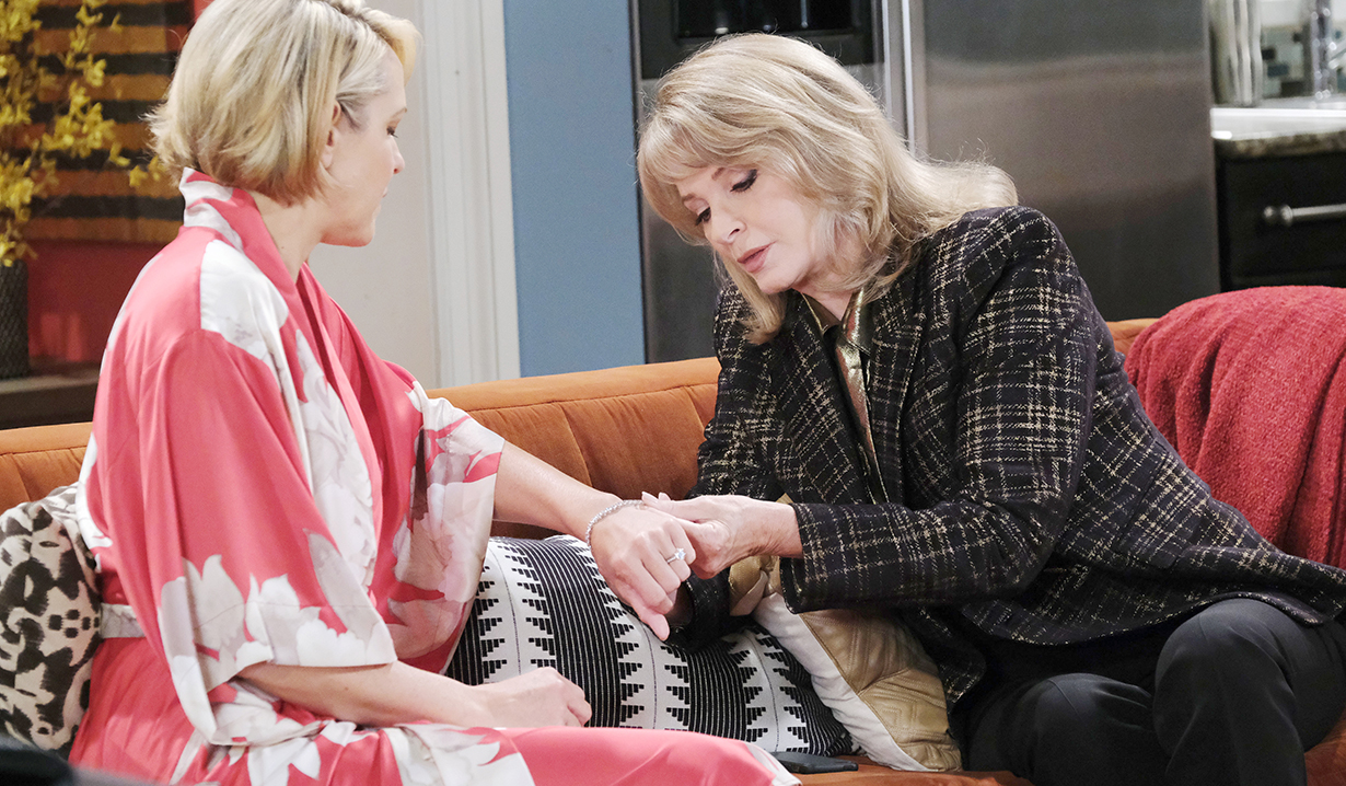 marlena evans looks at nicole walker ring Days of our lives