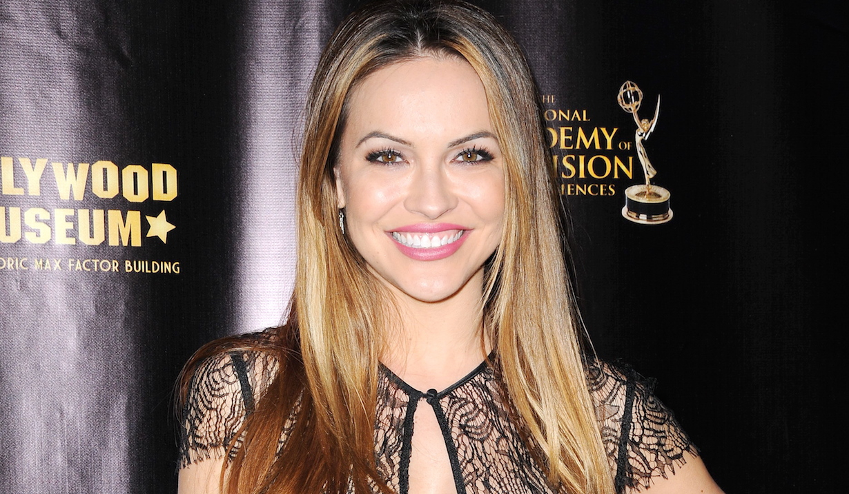 chrishell-stause-paparazzi-walking-dog-poop