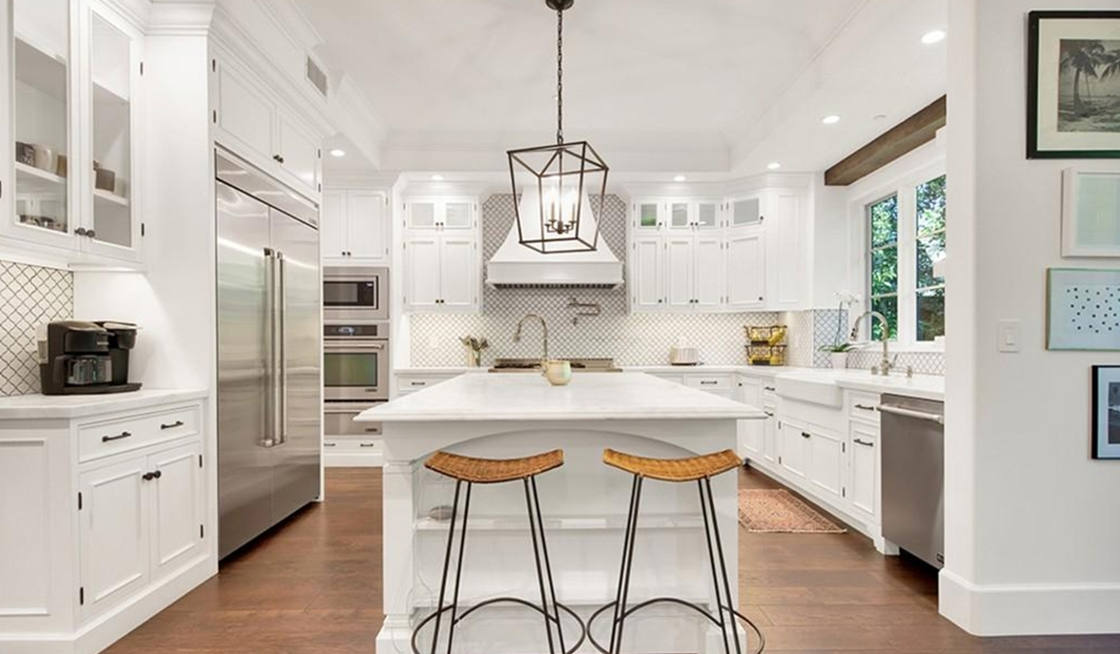 Brittany Snow house kitchen GL