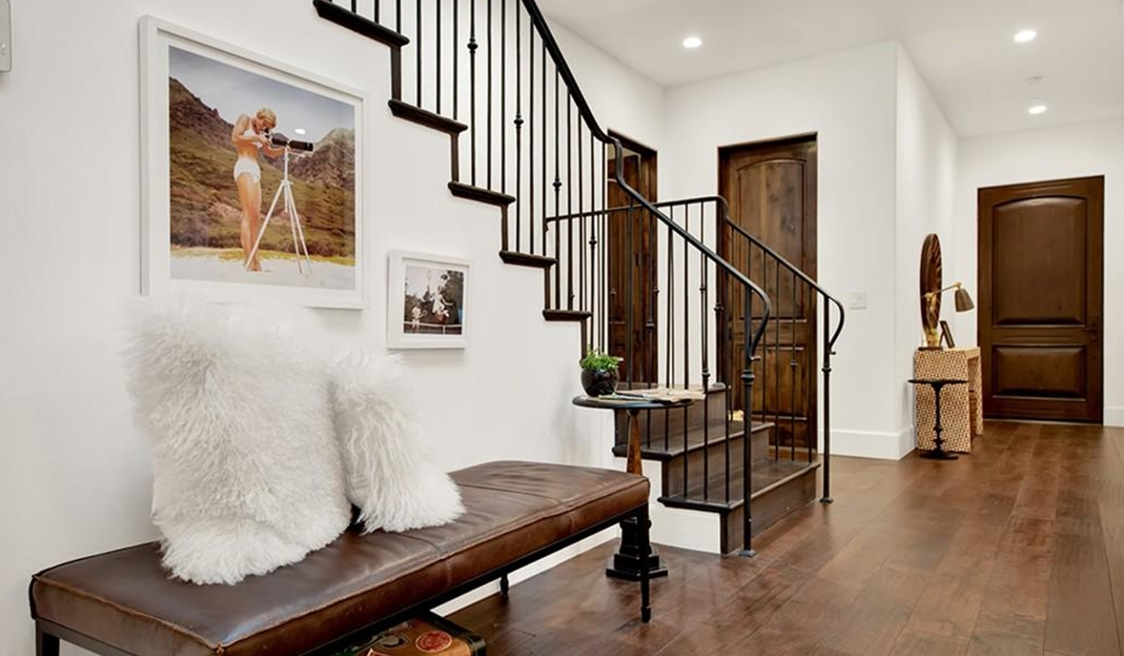 Brittany Snow house entrance GL