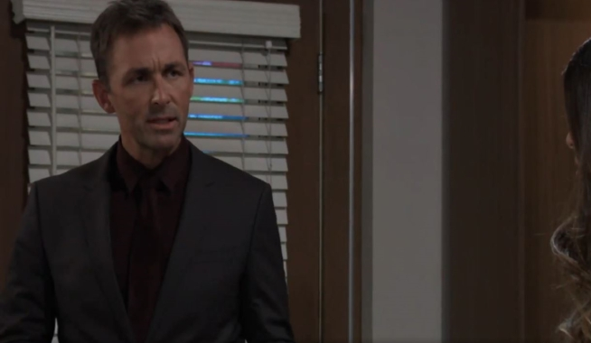Valentin urges Sam to sign at General Hospital
