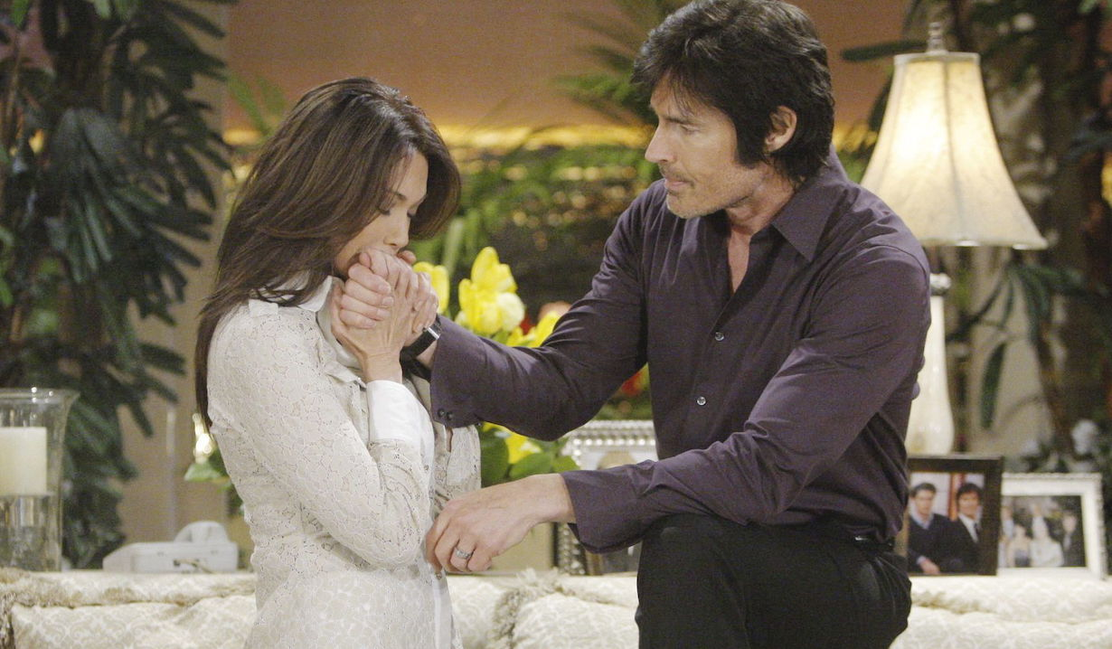 "Hunter Tylo, Ronn Moss ""The Bold and the Beautiful"" ss ridge taylor hand kiss"
